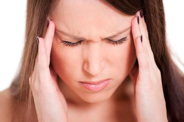 Возможная головная боль из-за недостатка тиреотропного гормона