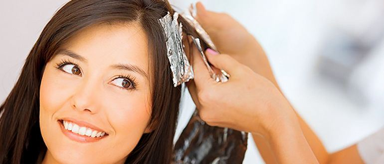 Нюансы окрашивания волос во время менструации