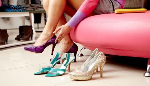 Выбираем дезодорант от запаха в обуви