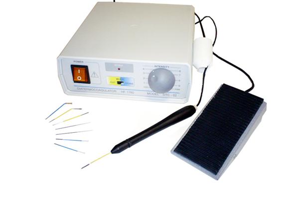 Главный инструмент для каутеризации - игольчатый коагулятор