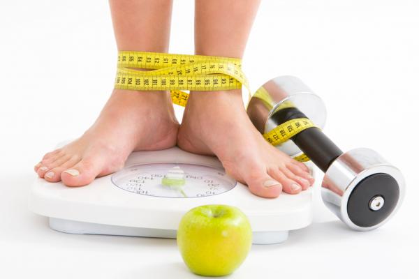 Борьба с лишним весом для получения удачного зачатия после 35 лет