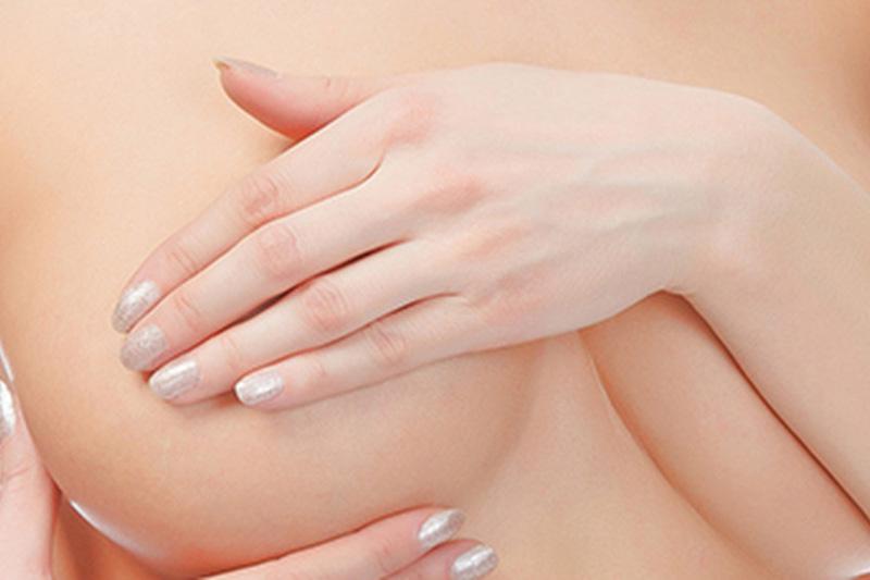 Что делать, если болит грудь перед месячными и во время них, какие симптомы опасны
