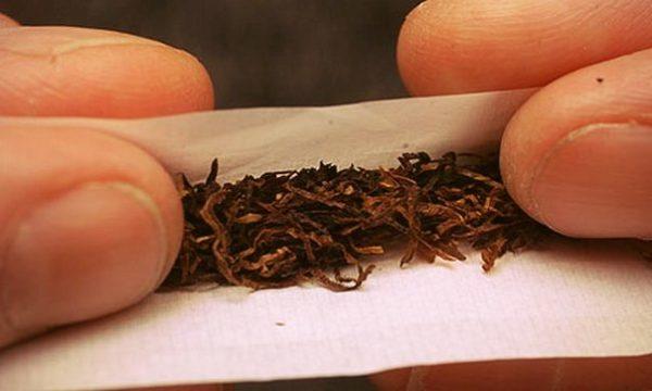 Сигарету можно заменить самокруткой