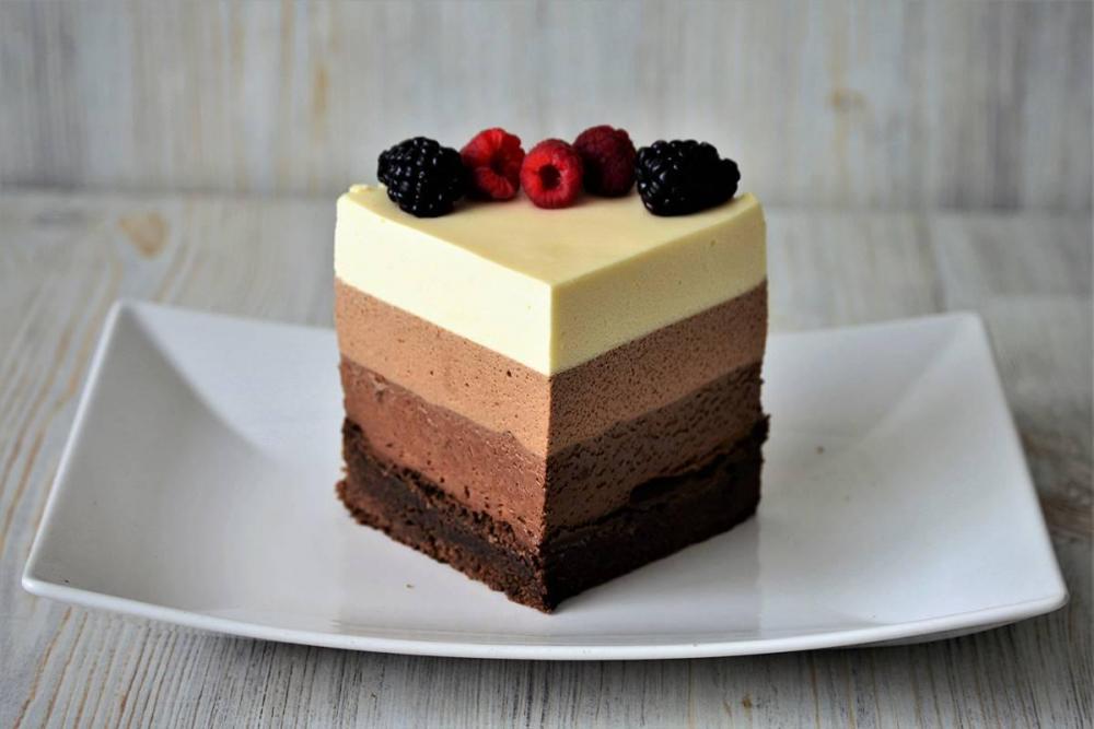 Муссовый торт Три шоколада: продажа, цена в Киеве. кондитерские ...