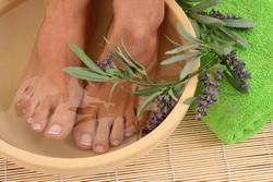 Контрастные ванночки от гипергидроза ног