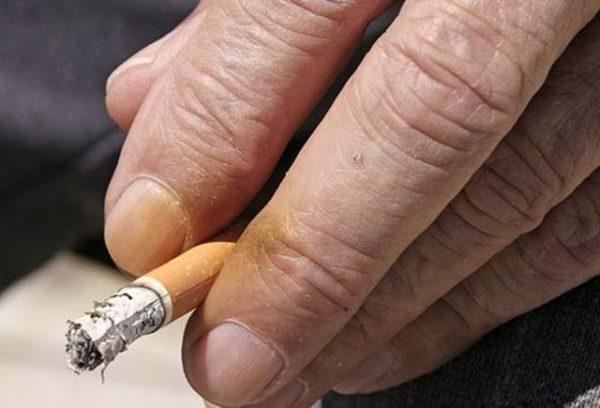 Как убрать следы от никотина на пальцах
