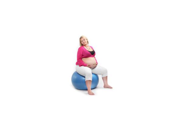 Набор лишнего веса при беременности из-за переедания шоколада