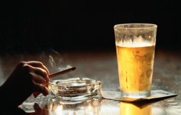 Что легче: бросить курить или пить?