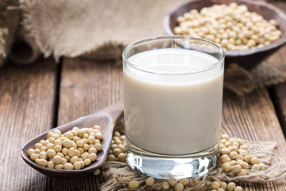 Молоко, сделанное из сои