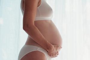 твердеет грудь при беременности
