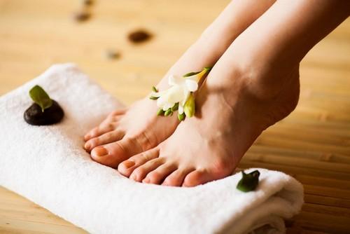 Лечение потливости ног в домашних условиях