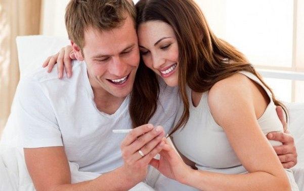 муж с женой ждут ребенка