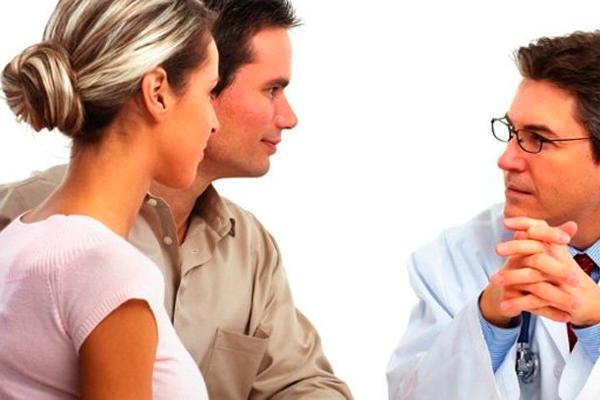 Обследование обеих партнеров у врача