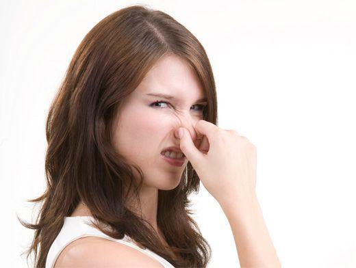 Причины неприятного запаха пота
