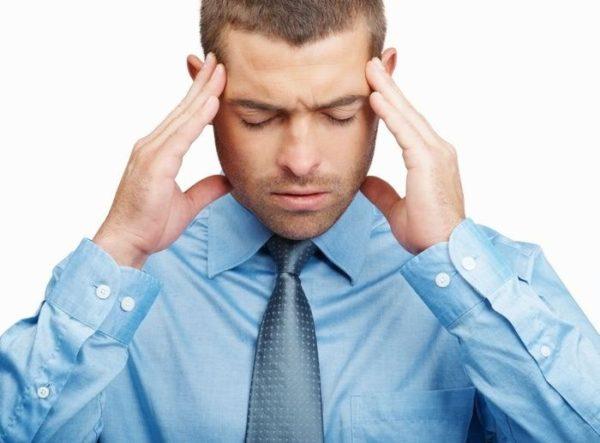 При синдроме отмены могут появиться головные боли